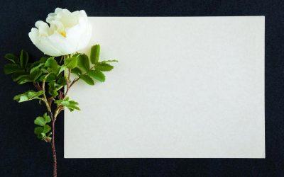 Il manifesto funebre: quando farlo affiggere e cosa scrivere